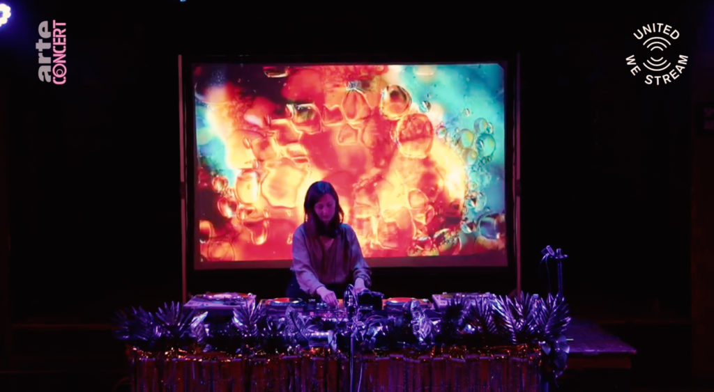 Badehaus-Vj-AV-Performance-Berlin-Projection-Lea-Brugnoli-ZolaDisco-
